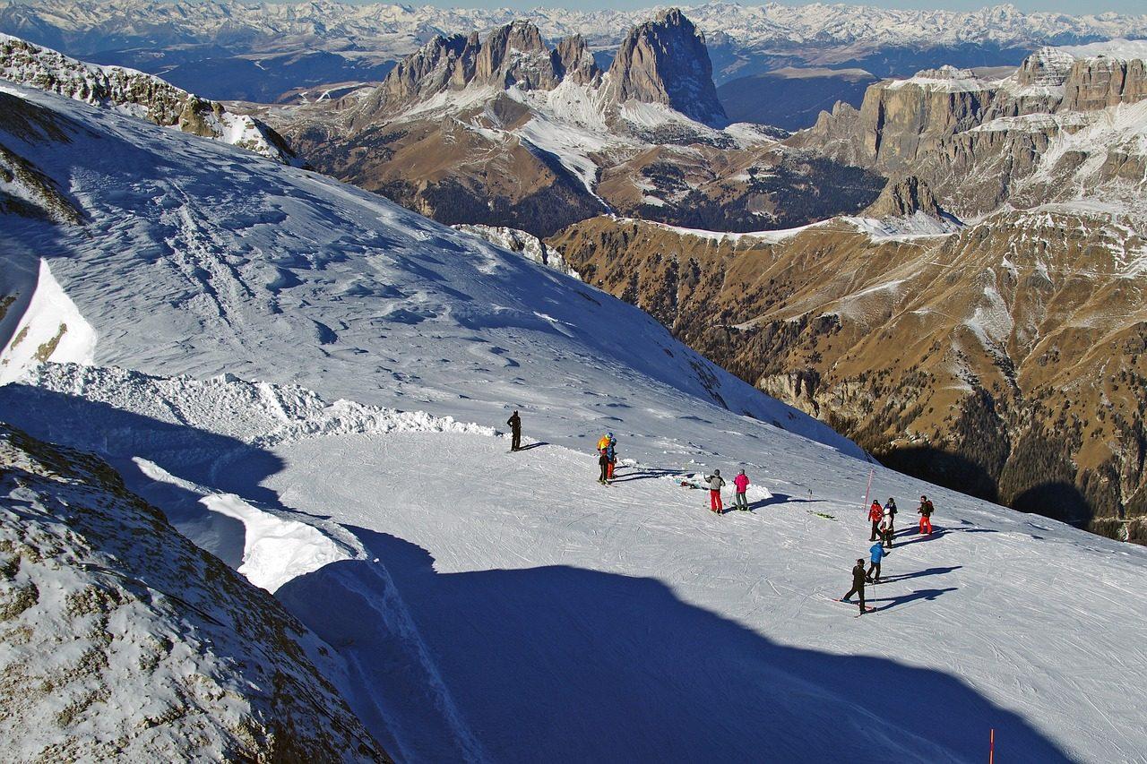 Vacanta la schi Italia inchiriere microbuze  paertner rent